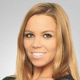 Lauren Drain Headshot