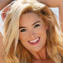 Whitney Thompson Headshot