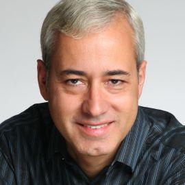Pedro Domingos Headshot
