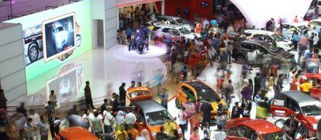 Otomotif: Toyota Lepas 10.344 Mobil Selama IIMS 2014