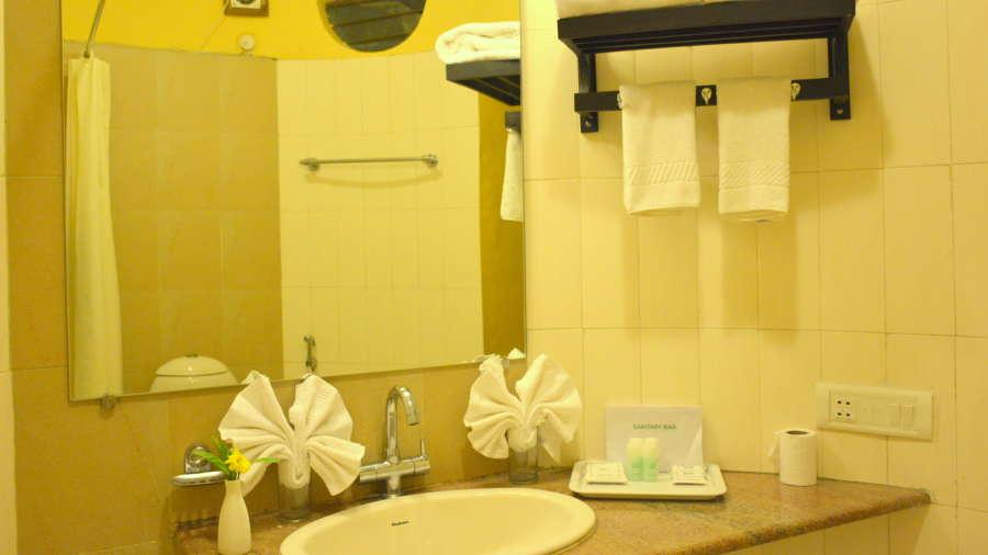Kadkani Riverside Resorts, Coorg Coorg Den Room Kadkani Riverside Resort Coorg 16