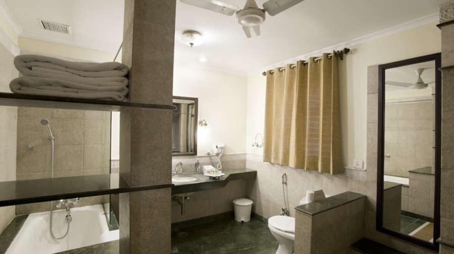 The Haveli Hari Ganga Hotel, Haridwar Haridwar Bathroom1