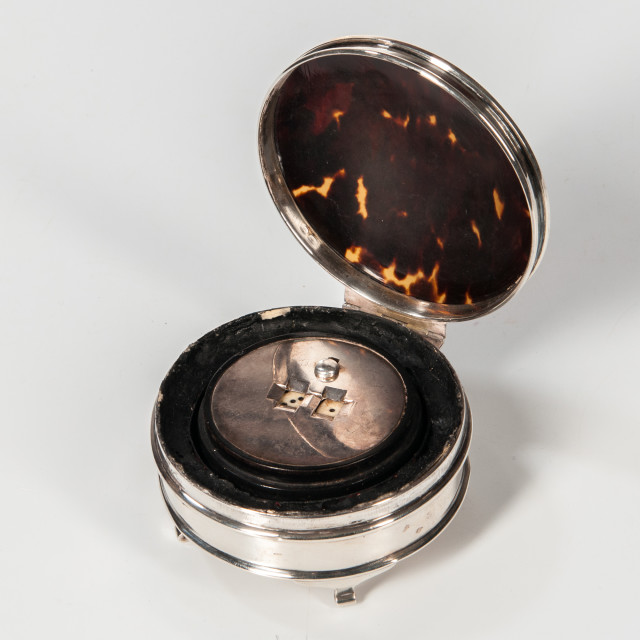 Sterling Silver Game Box with Spinning Dice (Lot 1104, Estimate: $300-500)