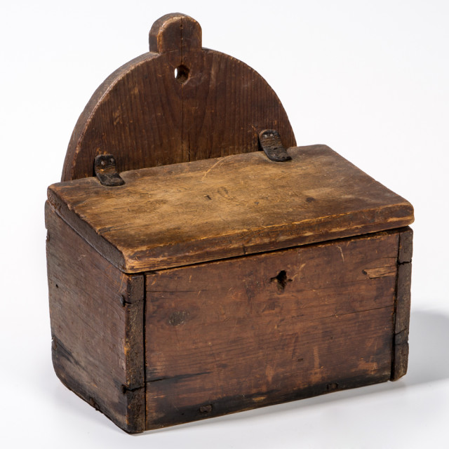 Red-stained Wall Box (Lot 31, Estimate: $400-600)