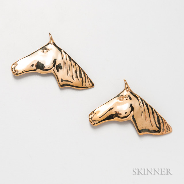 Two Roger Nichols Studio 14kt Gold Horse Brooches (Lot 2271, Estimate: $200-400)
